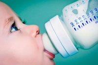 Какие напитки можно давать ребенку до года